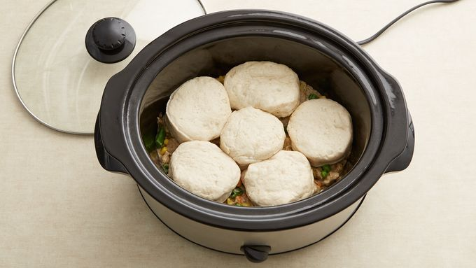 Easy crockpot meals that you can set it and forget in the slow cooker. Break out the crockpot just in time as the weather changes. Place all your ingredients in the crockpot and within a few hours you can enjoy a delicious crockpot meal. #crockpotmeals #slowcooker #bestofpinterest #fallcooking #seititandforgetit