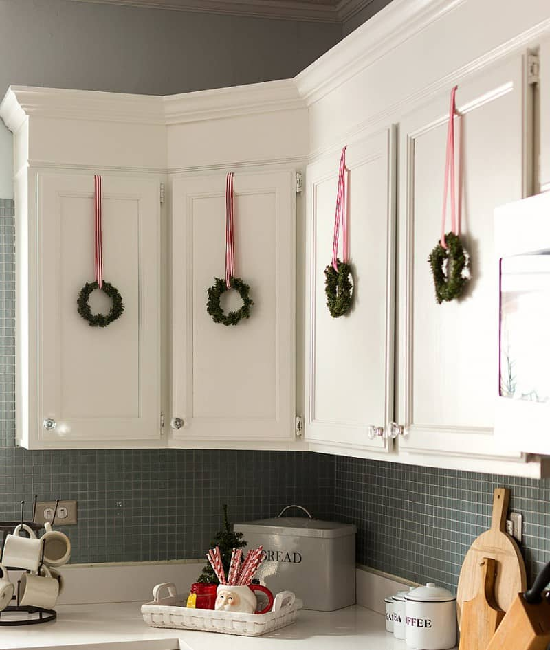 How To Decorate Your Home Cheap: 10 Amazing Christmas Decorations You Can Do On A Budget