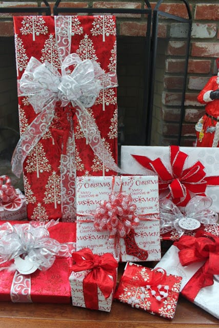 red and white 2-color schemed coordinating gift wrapping ideas