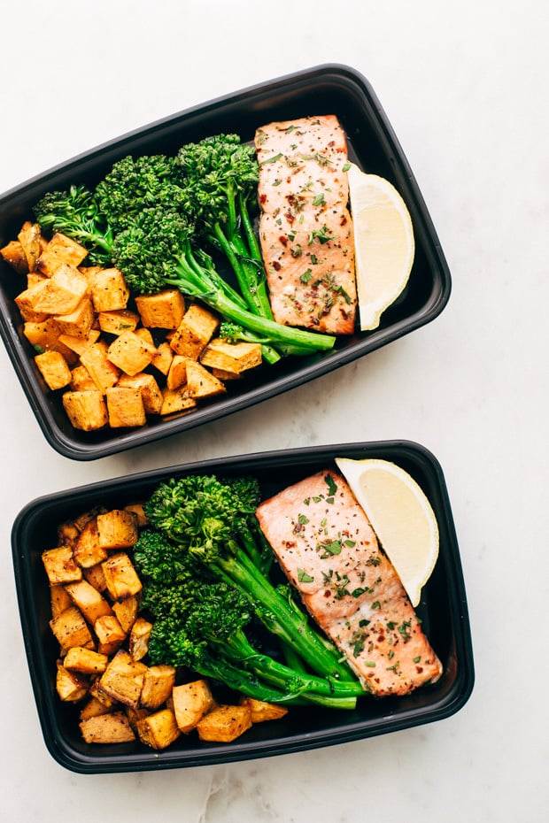 I have just started meal prepping. This article is getting pinned IMMEDIATELY for all my future use for meal prep recipes for breakfast, lunch, and dinner. Amazing resource for meal prepping ideas.
