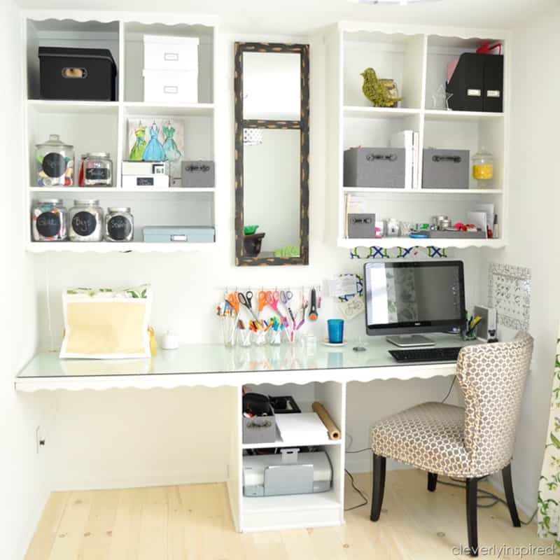 These home organization tips are AMAZING! I am so glad I found these to help me DECLUTTER and ORGANIZE my entire home. You should start following these 6 DIY decluttering hacks today. Pin this for later!