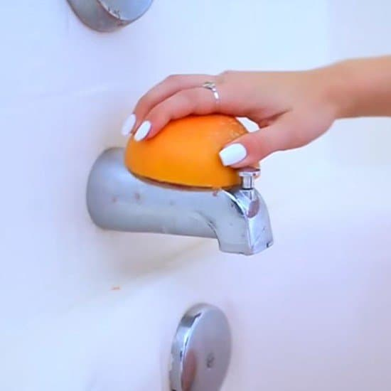these 15 bathroom cleaning hacks are amazing i am so glad i found these simple - Bathroom Cleaning Hacks