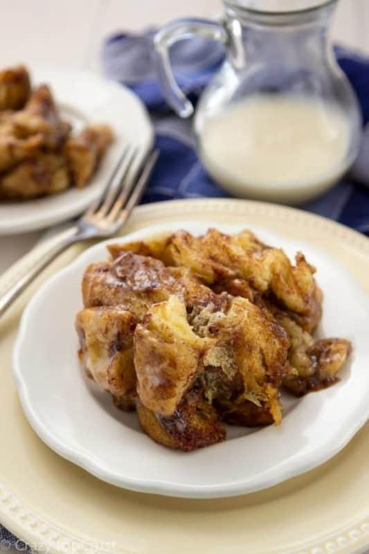 cinnamon roll monkey bread breakfast crockpot recipe