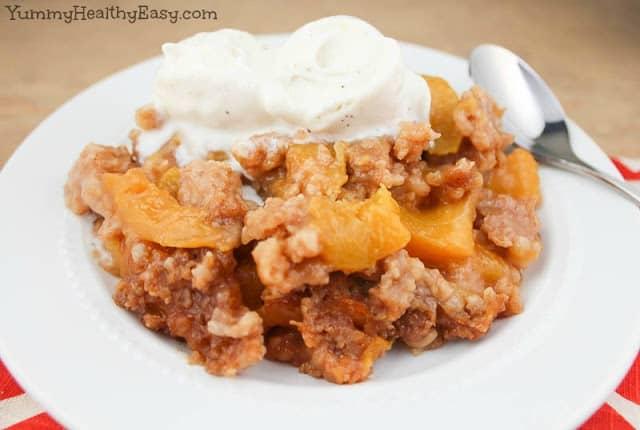 peach cobbler slow cooker dessert
