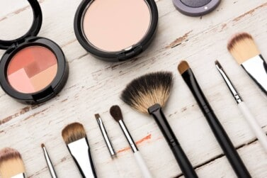 6 Easy Ways to Get Free Makeup Samples