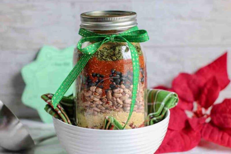 chili mix in a mason jar