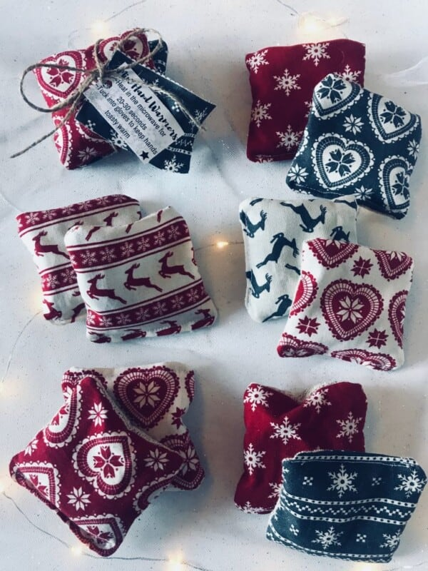 blue and red hand warmers