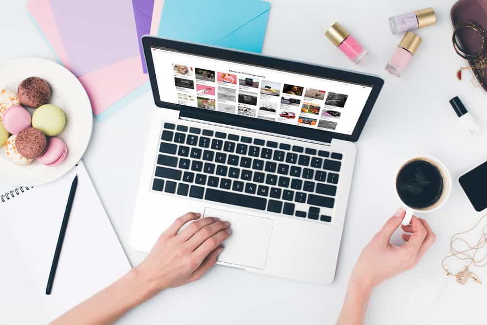 THIS is what I've been looking for to take my money-making capability to the next level because I had no idea how to make money on Pinterest, really! I knew I needed to make pins for my blog posts, but that was about as far as my knowledge went! I'm so excited to start making money on Pinterest! #HowToMakeMoneyOnPinterest #MakeMoneyOnline #MakeMoneyPinterestWithoutBlog #MakeMoneyOnPinterest #PinterestMarketing