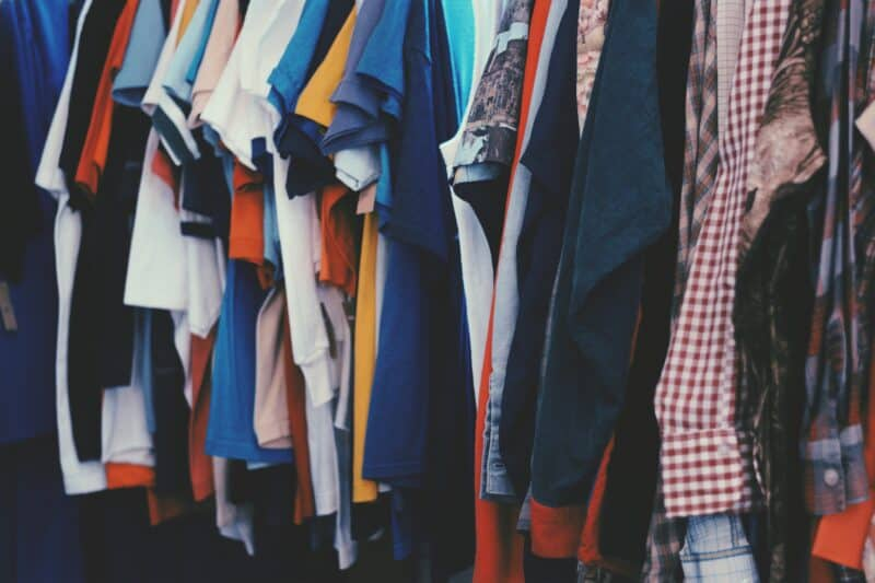 i need money now by selling old clothes