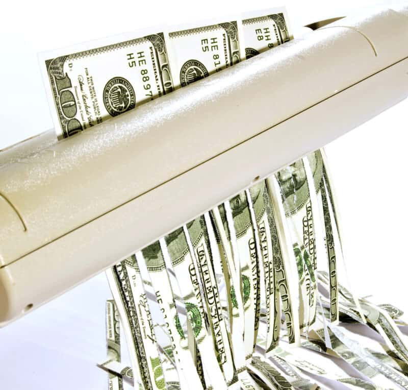 5 things you should never do with your money