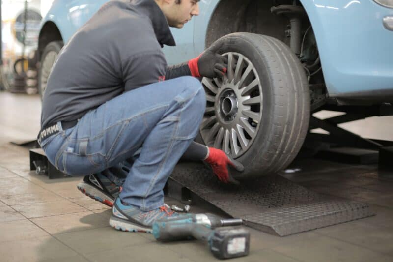 Rent your rv- change tire